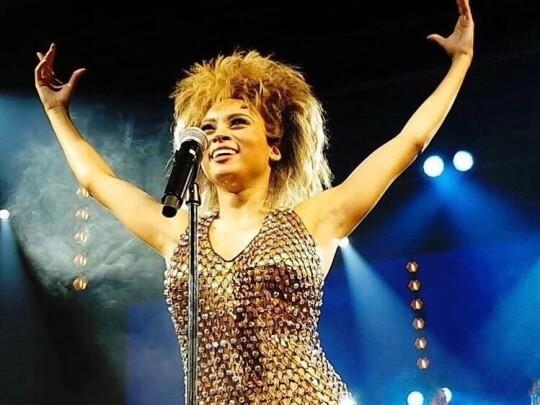 Künstlervermittlung: Channah Hewitt als Tina Turner Frankfurt - Künstleragentur | DIE ALLESLÖSER