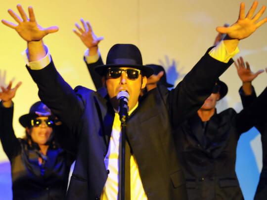 Sänger mit Hut