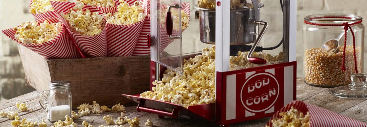 Popcornmaschine mit Popcorn