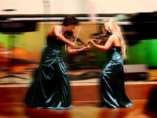 Künstlervermittlung: Celtic Violin Ladies Frankfurt - Künstleragentur | DIE ALLESLÖSER