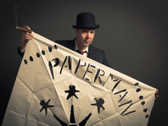 Paperman mit Papier