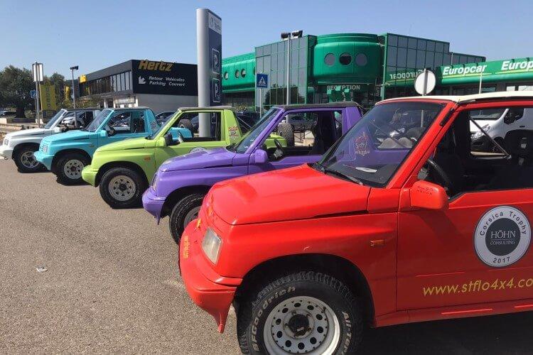 bunte Jeeps