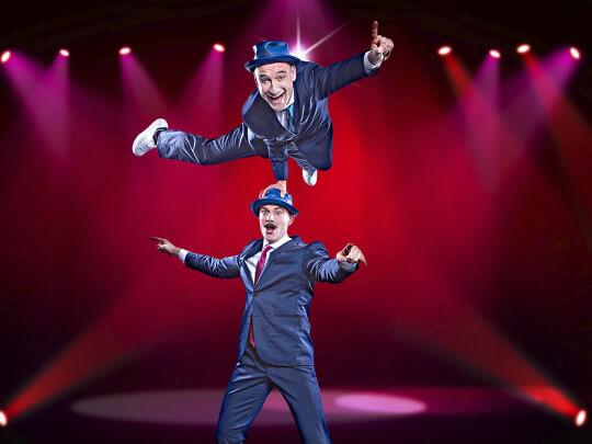 Künstlervermittlung: Tébé und Leiste Comedy-Akrobatik Frankfurt - Künstleragentur | DIE ALLESLÖSER