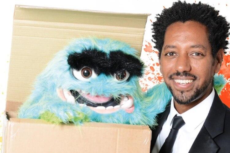 Daniel Reinsberg mit Puppe