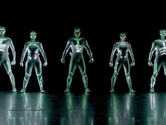 Künstlervermittlung: Interaktiver LED Show Akt - True Dreams Frankfurt - Künstleragentur | DIE ALLESLÖSER