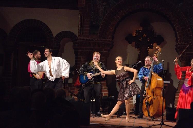 JaKaScha mit Tänzern