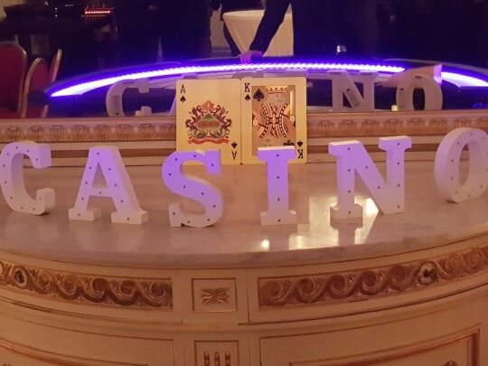 Künstlervermittlung: Casino Frankfurt - Künstleragentur | DIE ALLESLÖSER