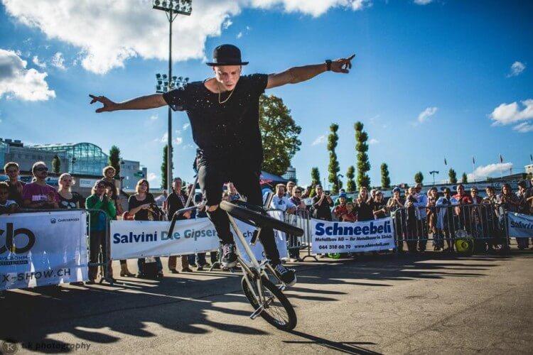 Chris Böhm Action