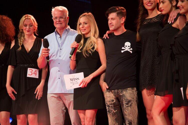 Syra Feiser moderierend bei einer Miss-Wahl