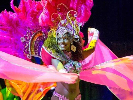 Künstlervermittlung: Samba bei einem Ball Frankfurt - Künstleragentur | DIE ALLESLÖSER