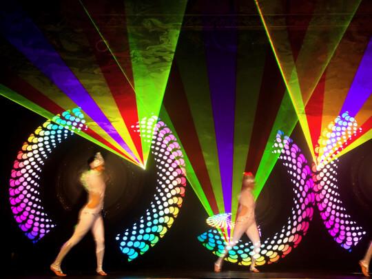 3 Tänzer mit LEDs