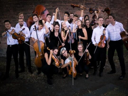 Künstlervermittlung: Kammermusikensemble Laubenheim Gruppenbild Frankfurt - Künstleragentur | DIE ALLESLÖSER