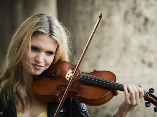 Laura Zimmermann mit Geige