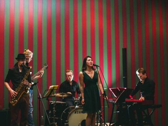 Künstlervermittlung: Bordun Quintett spielend Frankfurt - Künstleragentur | DIE ALLESLÖSER