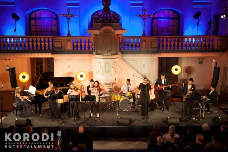 Jazz meets Classic Ensemble auf einer Bühne