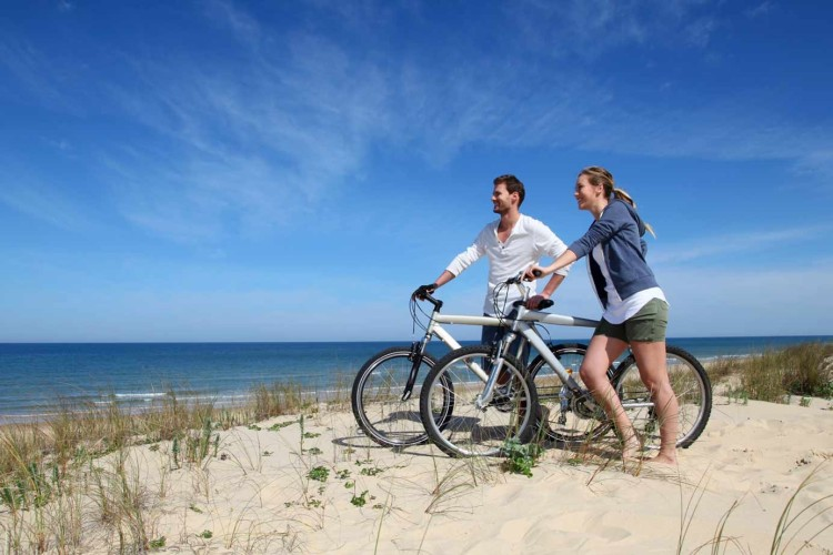 Radfahrer am Meer
