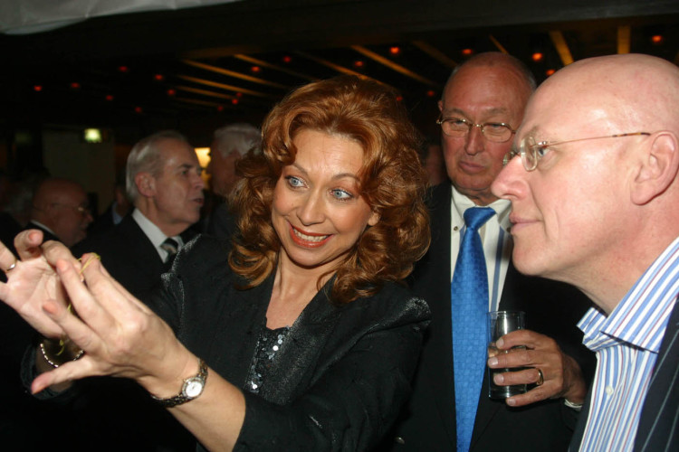 Sylvia Schuyer mit Gästen