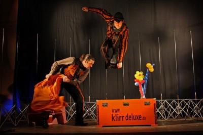 Klirr auf Bühne
