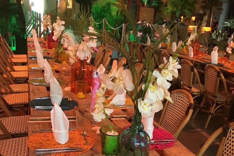 Karibische Tischdekoration
