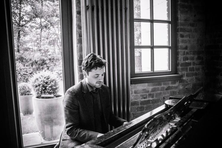 Fadi Gaziri am Klavier