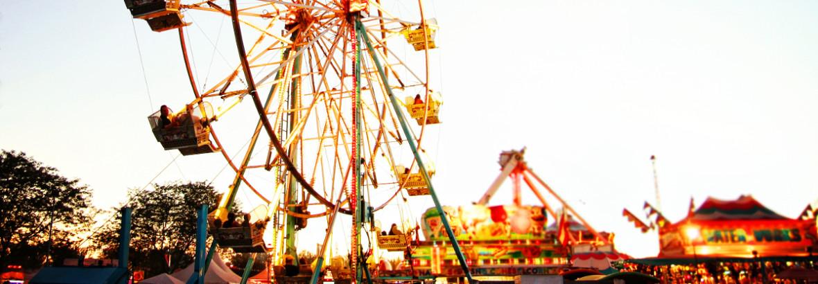 Riesenrad auf Jahrmarkt